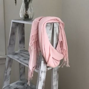 Pink light weight scarf with fringe